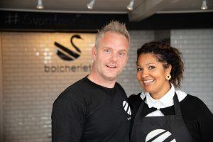 Bolcheriet Svaneke ejes af ægteparret Thomas & Mariam Brandt Touray